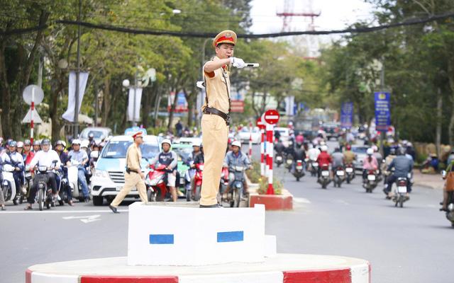 hiệu lệnh an toàn giao thông
