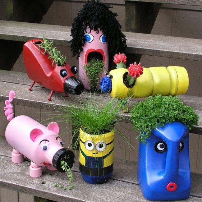 Làm chậu hoa trang trí từ chai nhựa